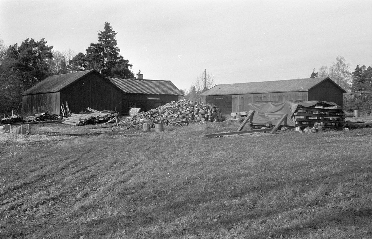 Uthus, smedja och lider, Hammarskog 1:1, Dalby socken, Uppland 1984