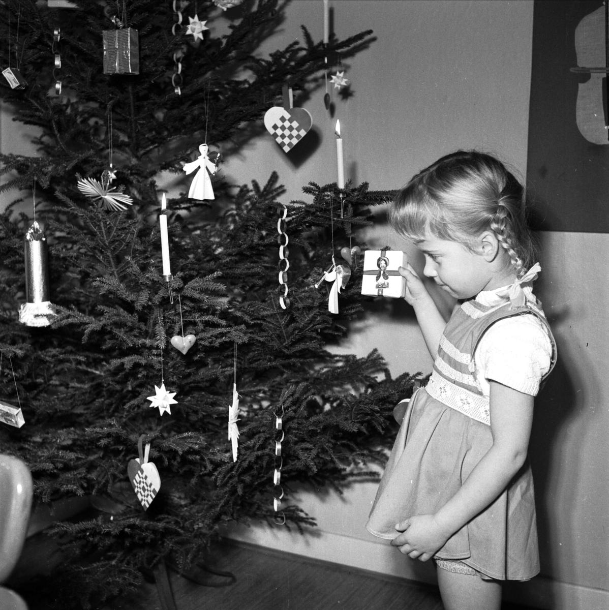 Ingrid Skerfe-Nilsson - juldekorationer, Uppsala 1952