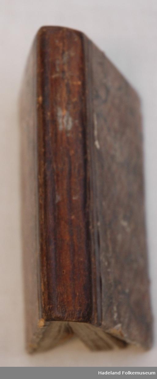 Skinnrygg, marmorerte kartong permer med skinnhjørner