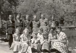 Elever ved Viblemo skole på tur til Ravnedalen i Kristiansand.