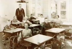 Sveindal skole. 1. 2. og 3 klasse.