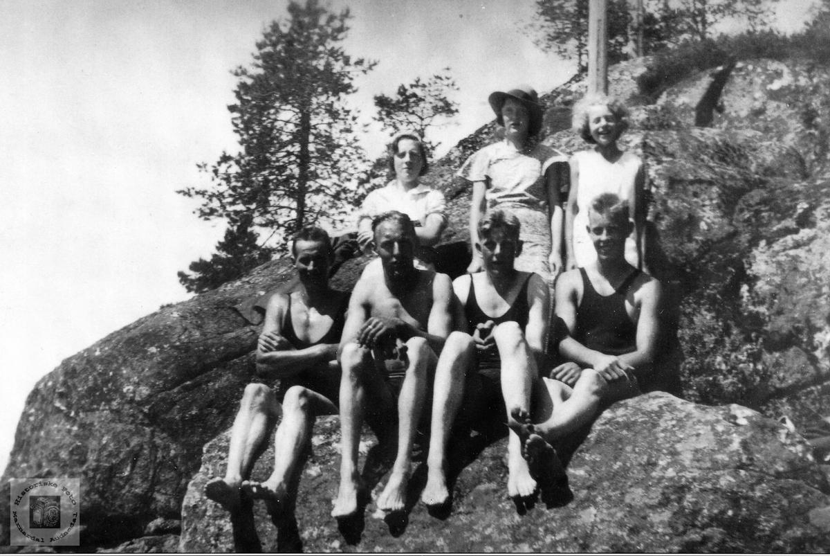 Ungdom fra Sveindal på badetur. Grindheim senere Audnedal.