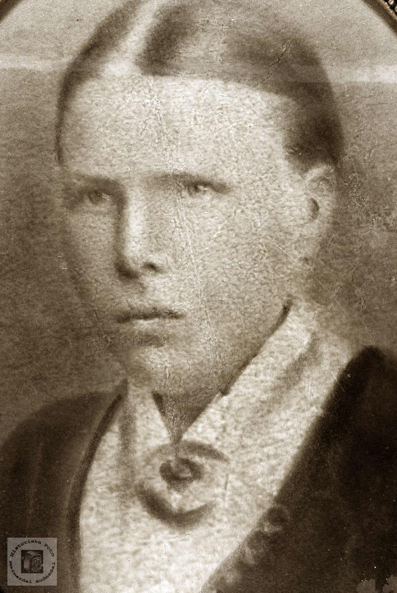 Portrett av Ranni Refsnes. Grindheim Audnedal.