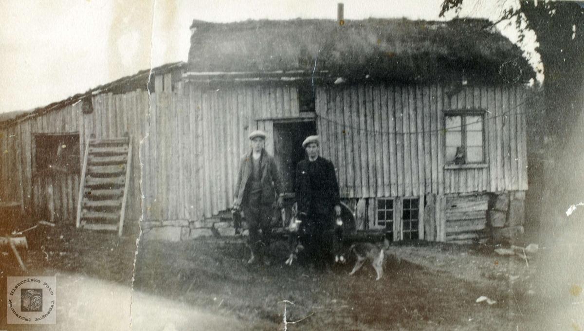 På jakt og fisketur til Løland i Grindheim.