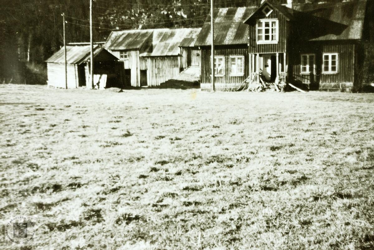 """Gården """"Der borte"""" på Øvre Flottorp Grindheim. Audneal."""