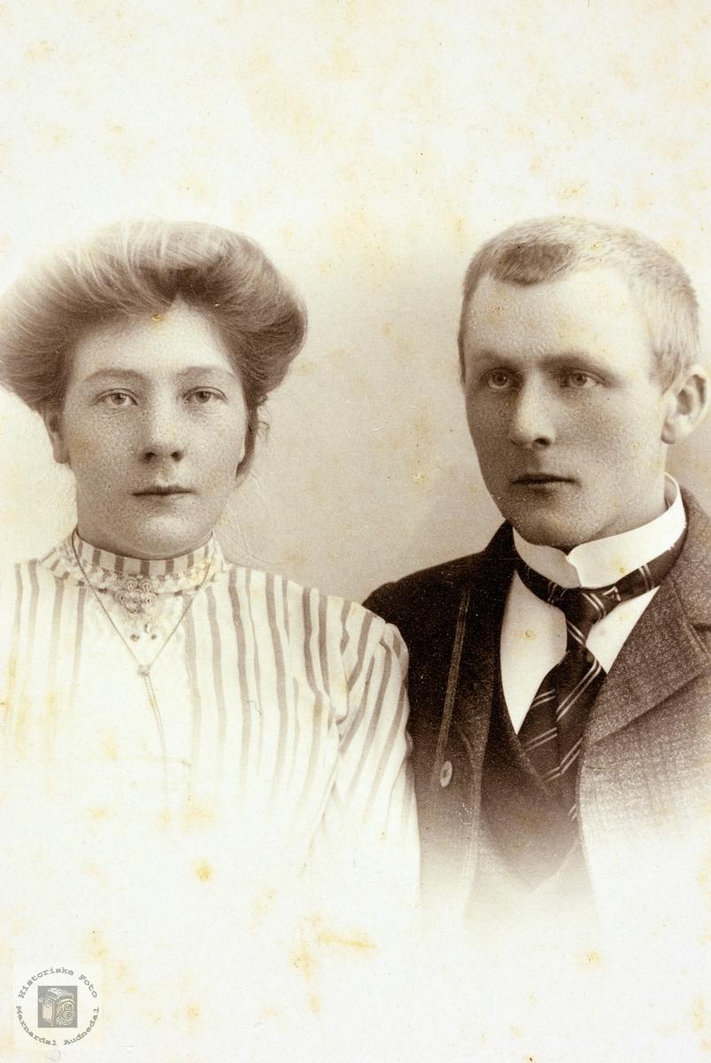 Portrett av ekteparet Berte og Torje Ågedal. Grindheim.