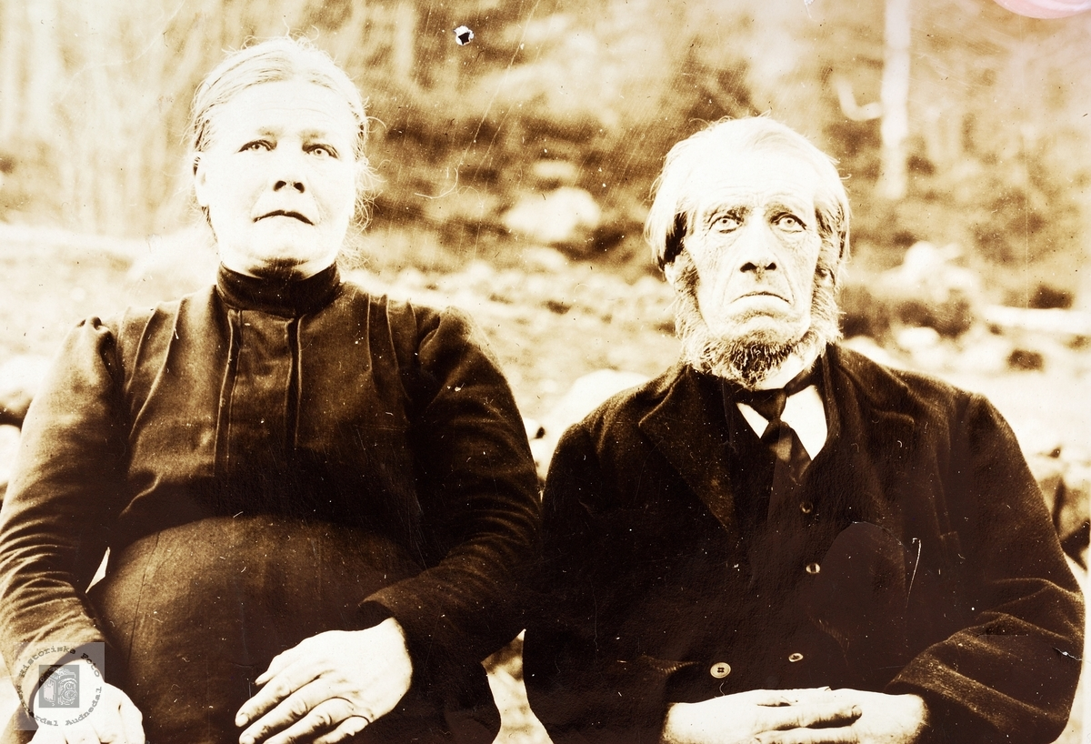 Portrett av ekteparet Ingeborg og Torkel Øydna. Grindheim.