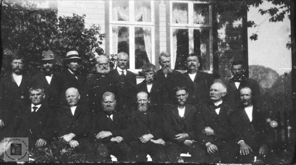 Kommunestyrets avslutning 1919, Øyslebø.