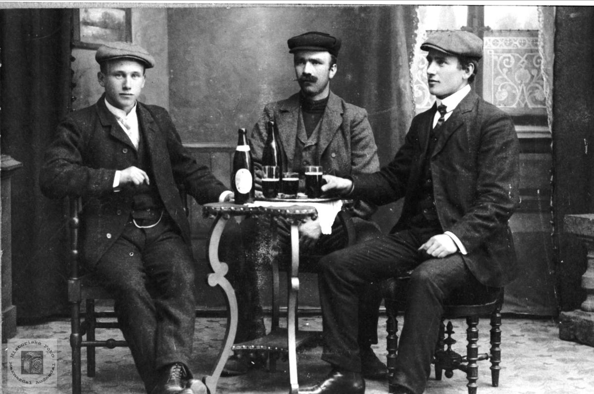 Over en øl. Personer fra Øyselbø.