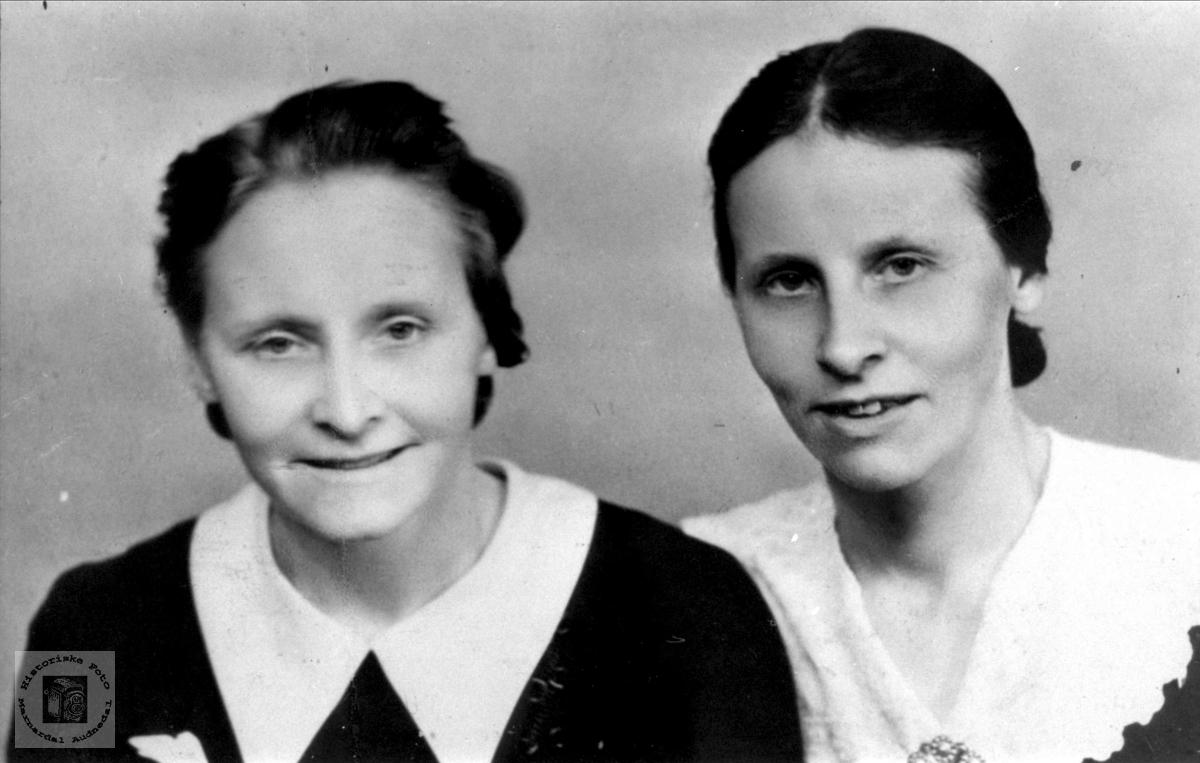 Søstrene Kristine og Jørgine Valand, Øyslebø.