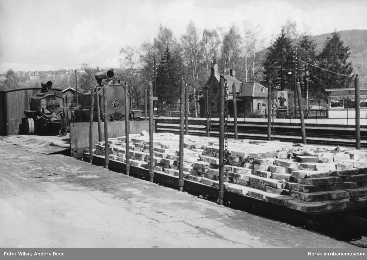 Opplasting av vegmaskiner og heller på Grefsen stasjon