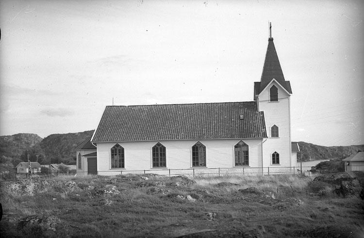 """Enligt AB Flygtrafik Bengtsfors: """"Hamburgsund kyrkan Bohuslän"""".    ::"""