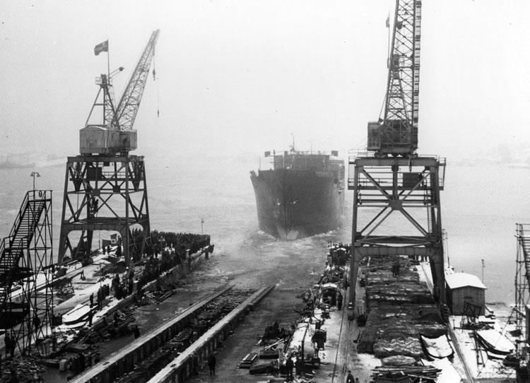 Sjösättning och dop av 127 M/T Bel Mare.