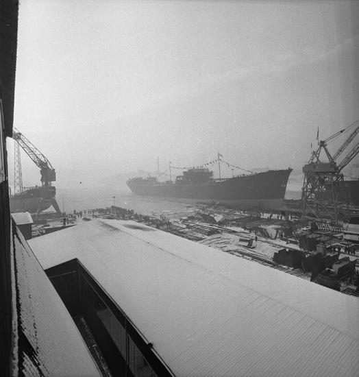 Dop och sjösättning av fartyget 164 M/T Thorsvaag.