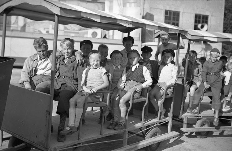 """Enligt notering: """"Barnens Dag Sept 1949""""."""