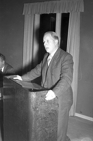 """Enligt notering: """"Samarittjänst i Företag 23/9 1947""""."""