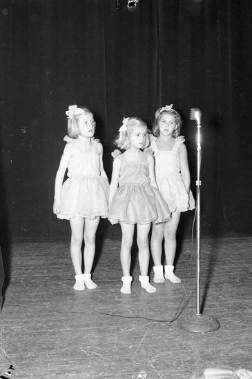 """Enligt notering: """"Julfest i Parken Jan 1950""""."""