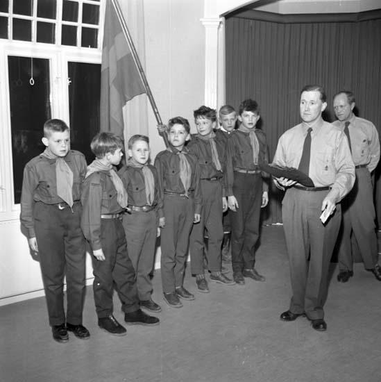 """Enligt notering: """"Scoutinvigning Församlingshemmet 3/3 -59""""."""