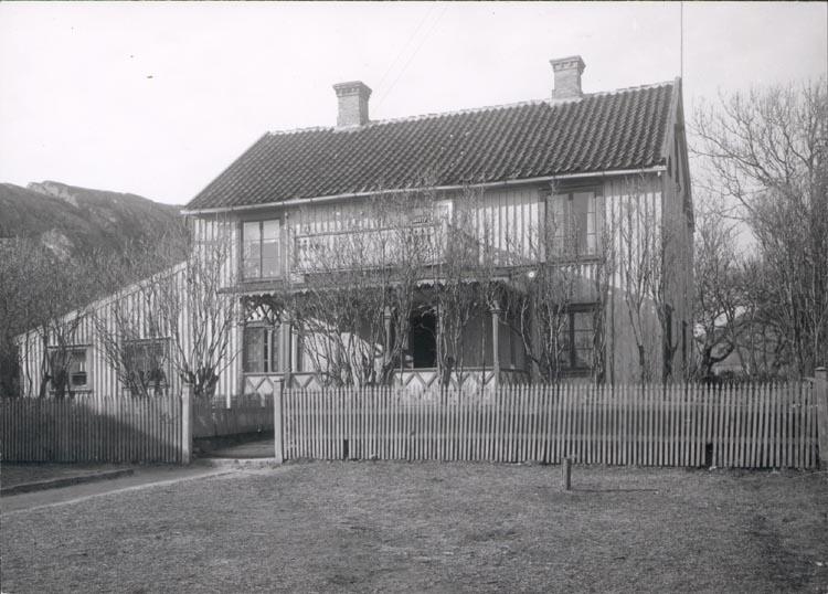 """Noterat på kortet: """"SANDBOGEN"""". """"FOTO DAN SAMUELSON 1924. KÖPT AV DENS. DEC.1958""""."""