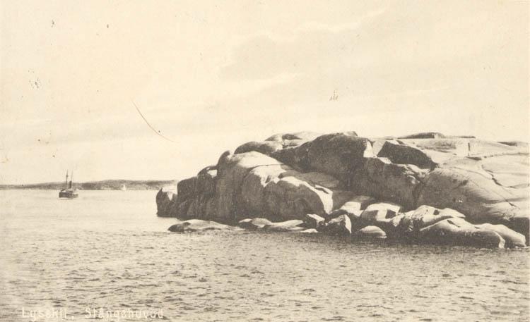 """Tryckt text på kortet: """"Stångehufvud, Lysekil."""" """"Förlag I. F. Hallmans Bokhandel, """""""