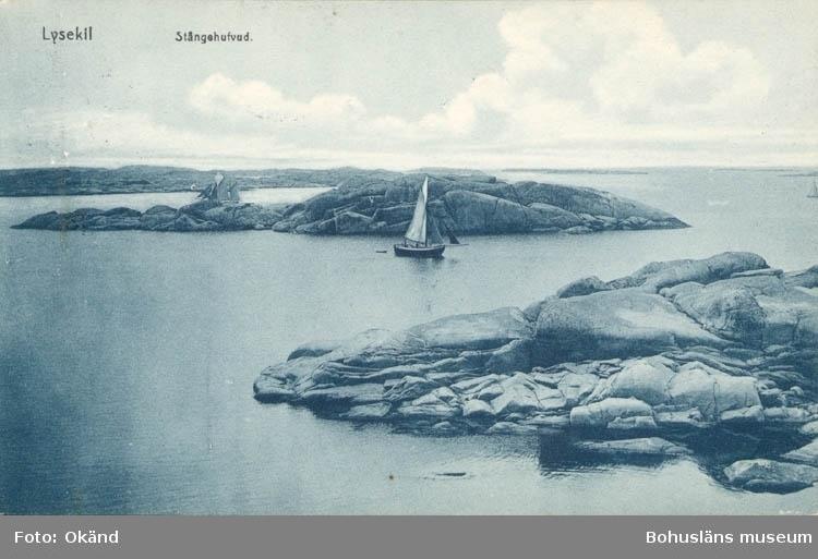 """Tryckt text på kortet: """"Stångehufvud, Lysekil."""" """"Förlag Lysekils Musik och Pappershandel."""""""