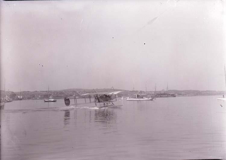 """Enligt text som medföljde bilden: """"Flygbåt 1916."""""""