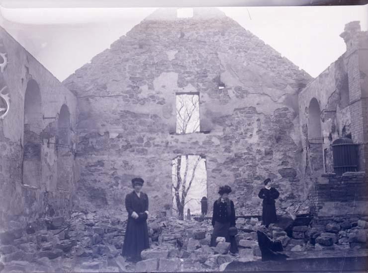 """Enligt text som medföljde bilden: """"Lyse kyrka febr/mars 09""""."""