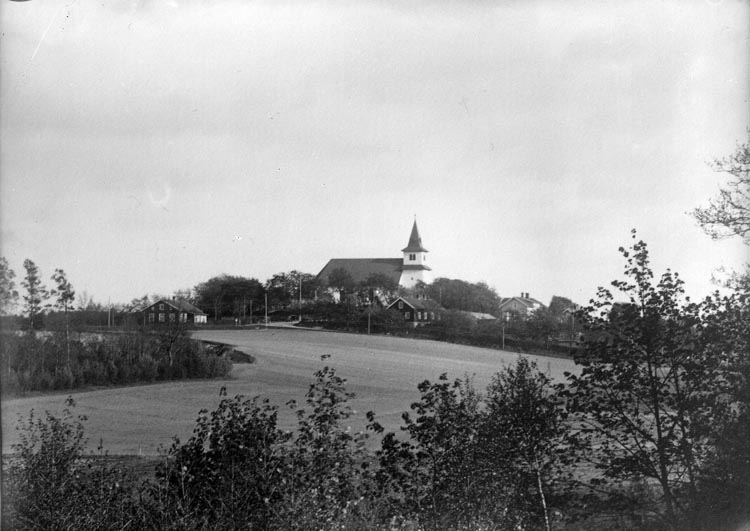 """Enligt fotografens noteringar: """"Foss Kyrka gammal plåt. Kanske år 1912."""""""