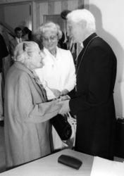 "Enligt text på fotot: ""Hunnebostrand Anna Andersson 100 år h"