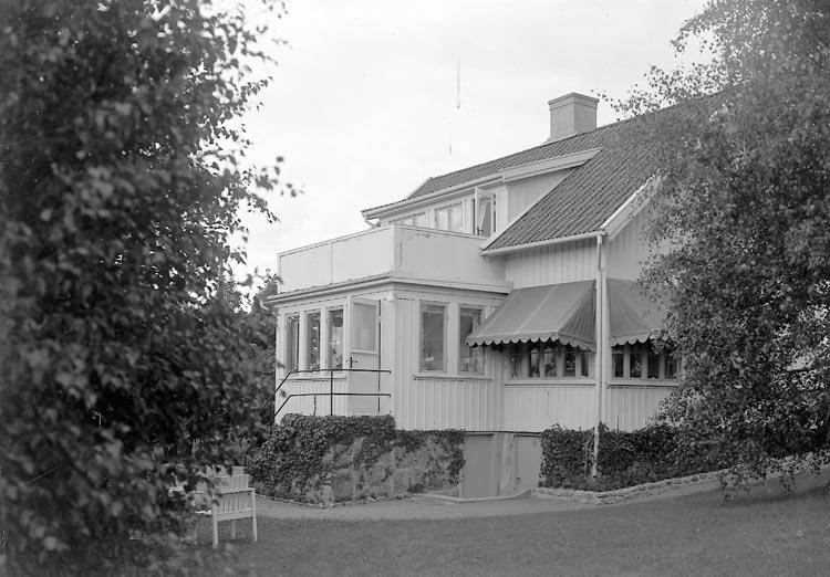 "Enligt fotografens journal nr 7 1944-1950: ""Ander, Fru Villan, Stenungsund""."