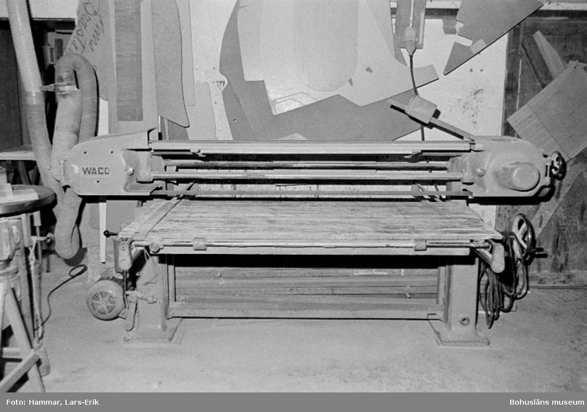 """Motivbeskrivning: """"Widholms industri AB, putsmaskin."""" Datum: 19800911"""
