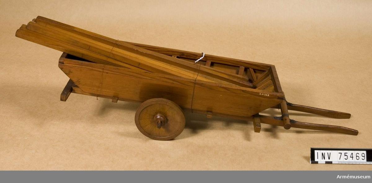 Grupp F VI (G).  Skala omkr. 1/16 Samhörande; ponton efter fransk modell. 1700-talets senare hälft.