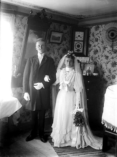 Brudparet Gustaf och Tekla Olsson på Klevberget