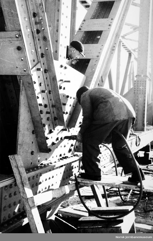 Steinvik bru - bygging av ny bru