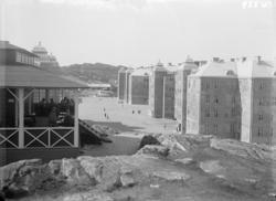 """""""Bohusläns regemente, Kasernerna och kaserngården från """"Musi"""