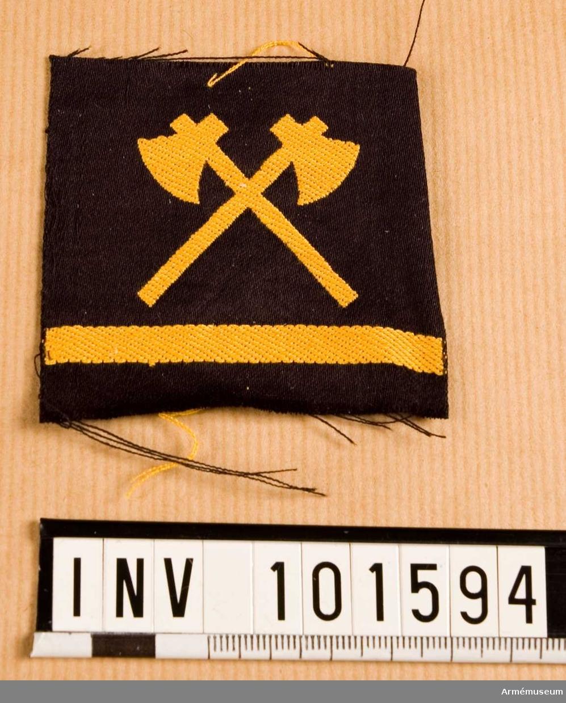 Gradbeteckning: Timmerman, värnpliktig, II klassens sjöman. Marinen.