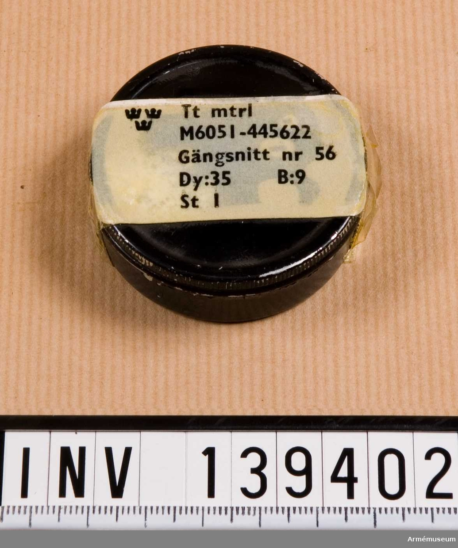M6051-445622.