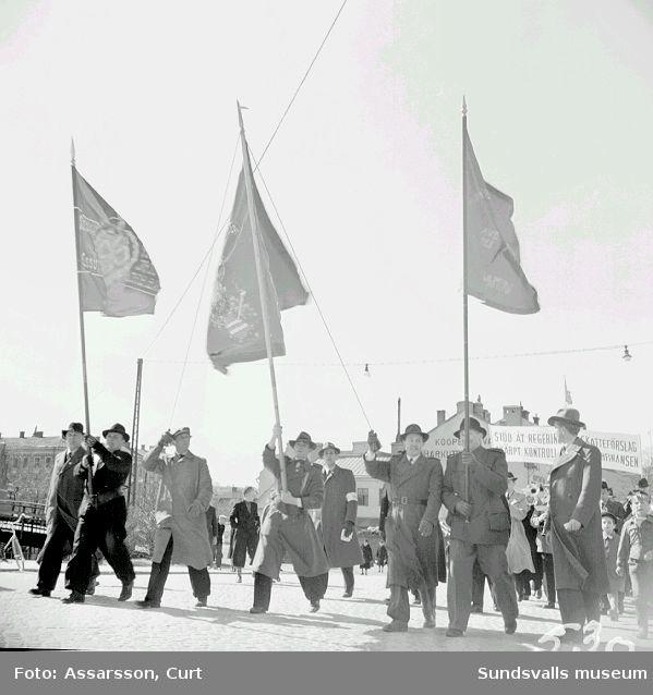 1:a majdemonstration på Stora torget.