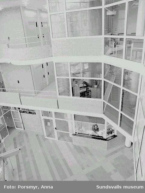 Folksams kontorsbyggnad, kv. Badhuset 1. Byggnaden, ritad av Sten Imberg och Eva Berg, White Coordinator Arkitekter, var inflyttningsklar 1991.