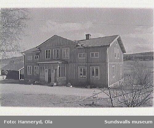 Kulturmiljöinventering. Foto 24: Vy över Hällan, fr SV.