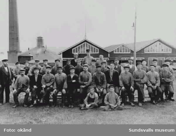 Sågverksarbetare vid Hofvids sågverk.