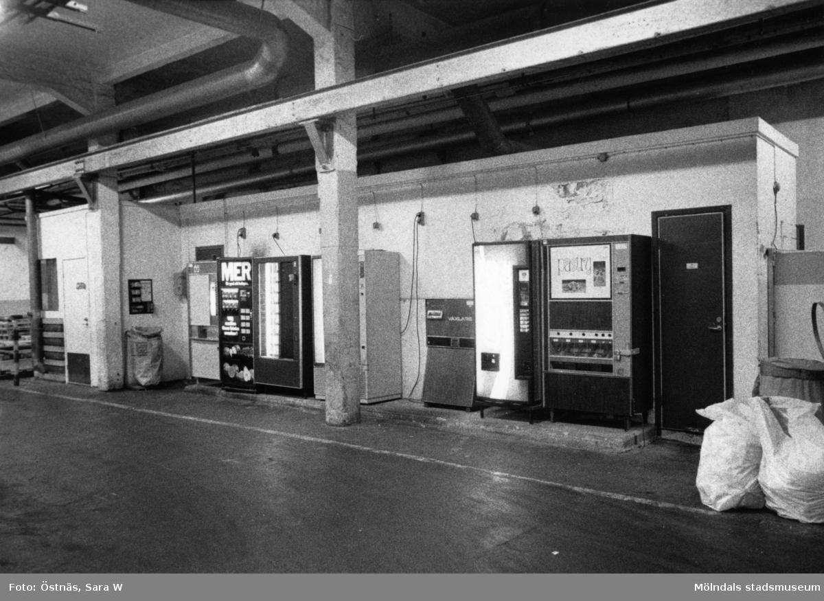 Varuautomater på Papyrus i Mölndal, år 1990.