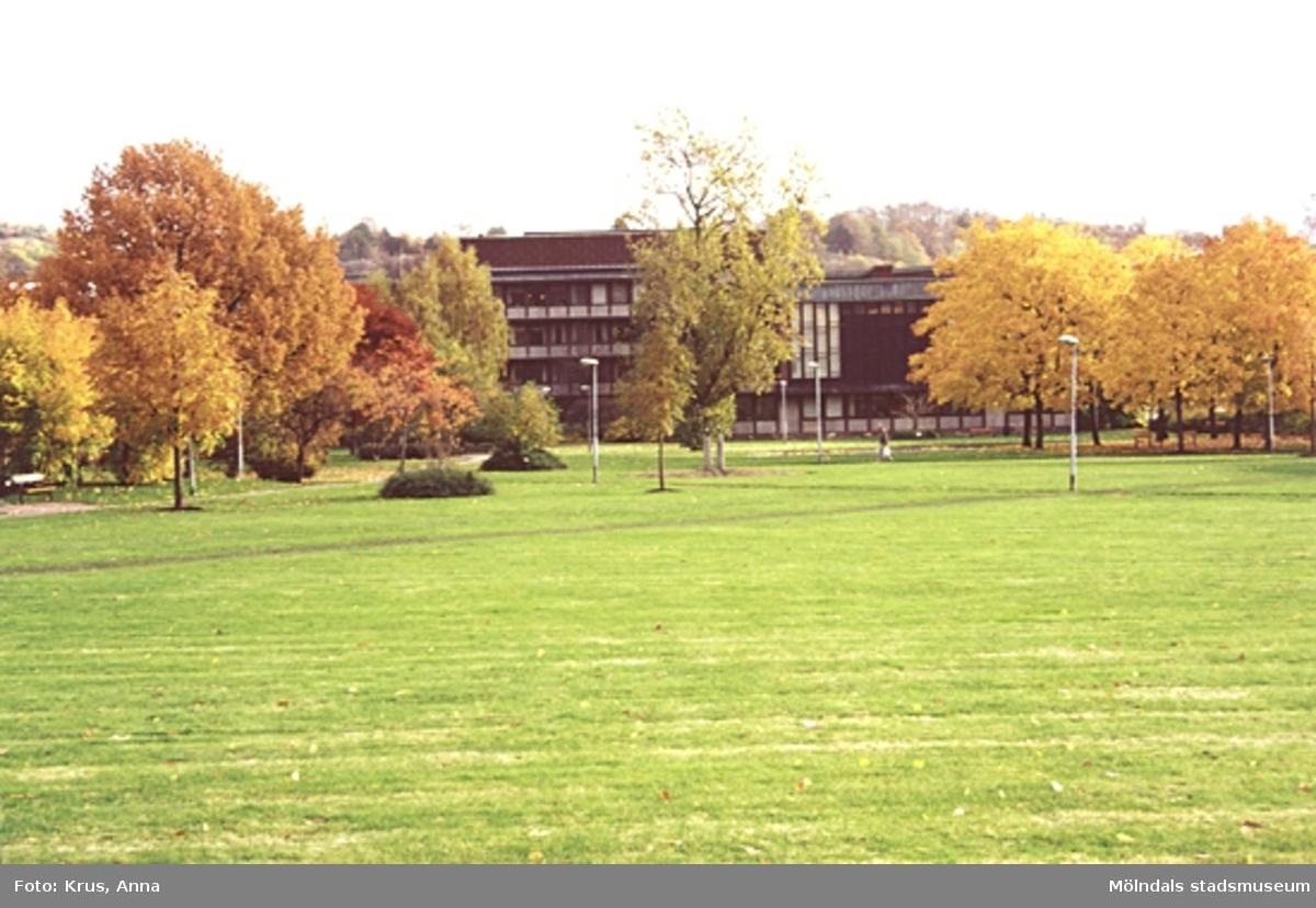 Mölndals stadshus - parkmiljö.