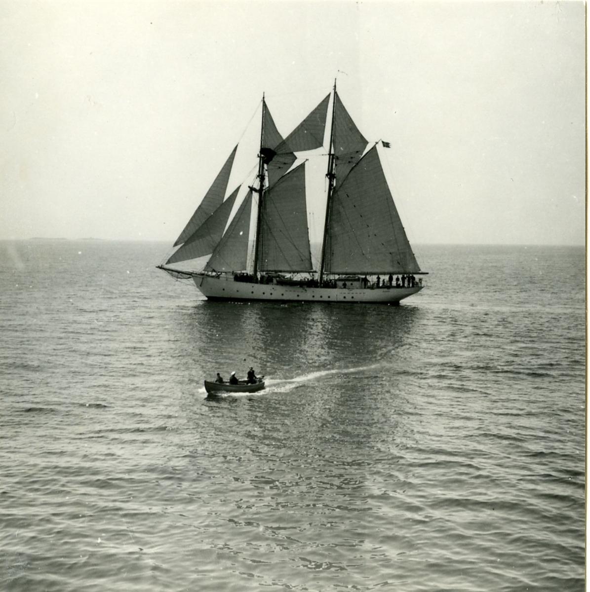 Övningsskonerten Gladan i Visby, år 1947.