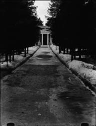 Skogskyrkogården Uppståndelsekapellet,  exteriör, De sju br