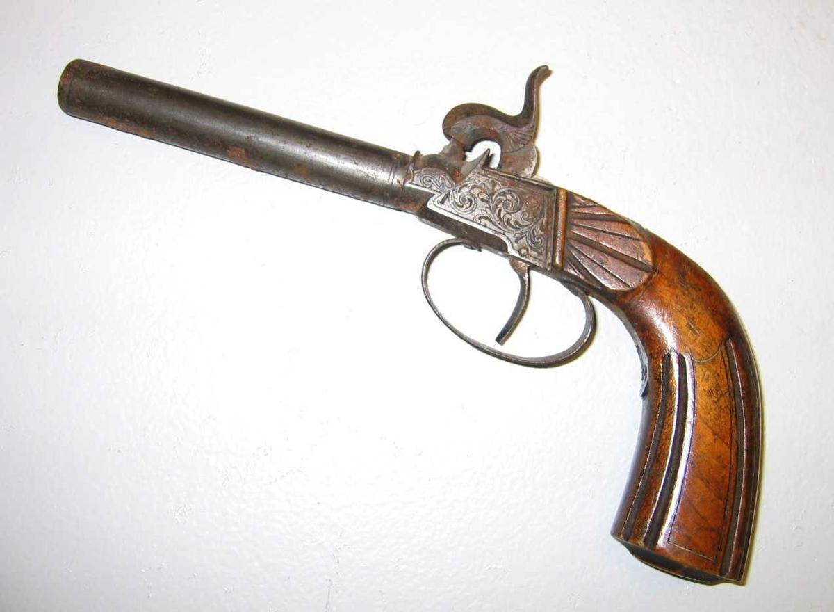 Sidene på pistolen er forsirt med (23)