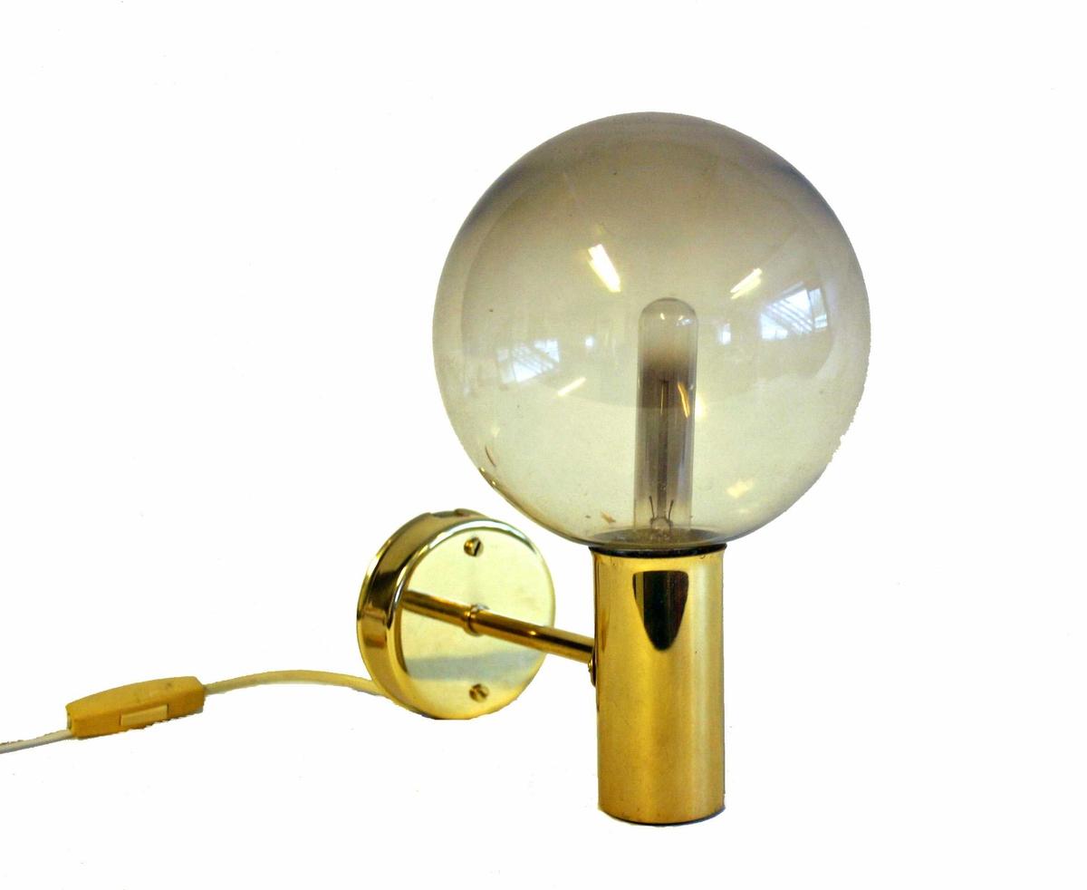 2 vegglampettar med kuleforma kuplar - Truleg Høvik lamper