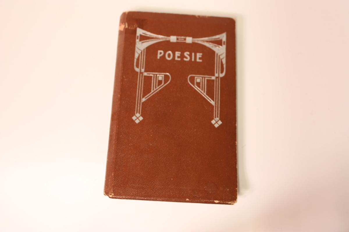 Minnebok,- Poesie. Innskrive seks minne mellom 1910 og 1924, mellom anna frå far og brør til eigaren.