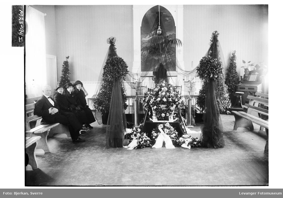 Formann Andreassens begravelse i Levanger Kapell