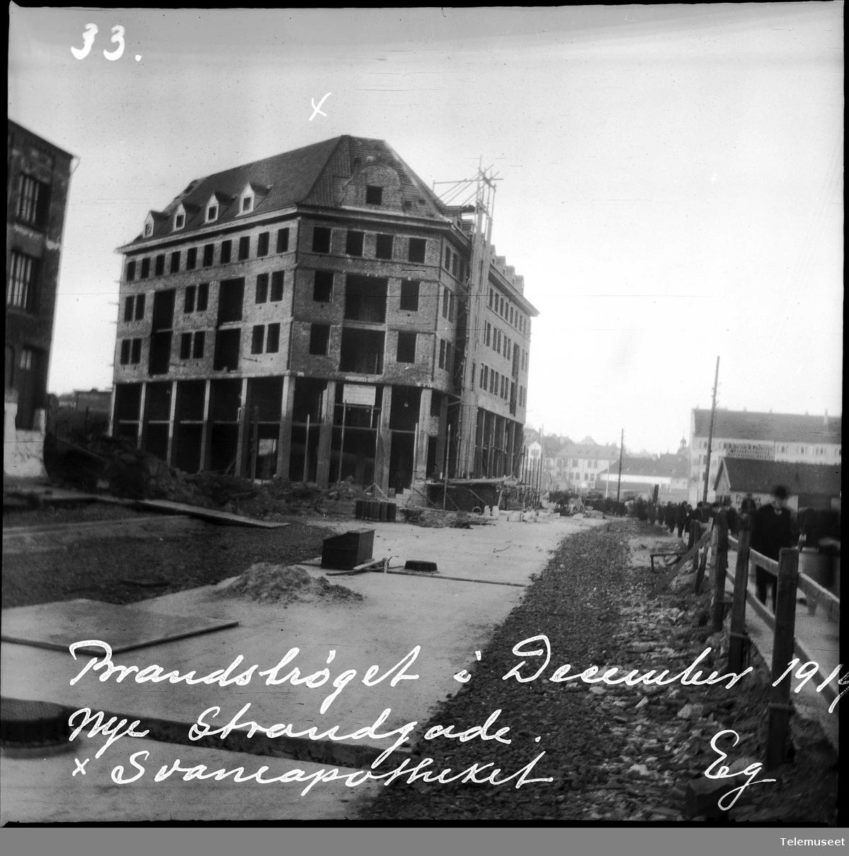 Fra Bergen sentrum tre år etter brannen, Nye Strandgade,Svaneapotheket